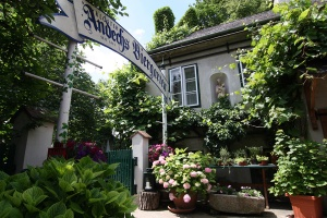 Renner in Nussdorf, Vienna traditional food since 1899