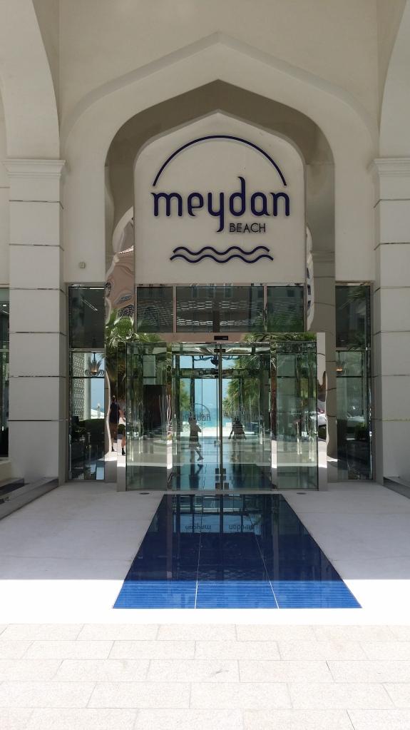 Meydan Beach Dubai,  Entrance