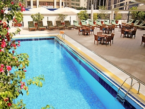 Pool Mercure Hotel